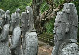 Angkor Temples & Vietnam Essentials