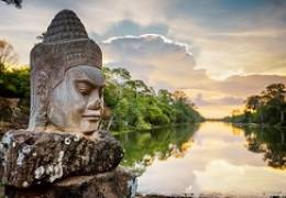 Angkor Temples & Vietnam Highlights Small Group